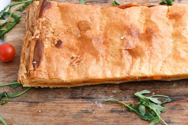 Empanada de hojaldre de 3 quesos y tomate natural El Trigal